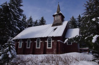 exterior-stgeorges-snowroof-nps